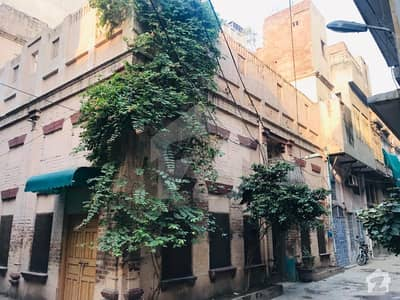 6 Marla Corner House With 4 Bedrooms And Drawing Dinning For Sale Near To Lakshmi Chowk Negotiable Price