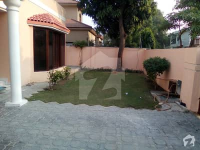1 Kanal Neat House For Rent Very Low Price In DHA Phase 3 Near Masjid