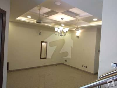 E114 Elite Street Very Close To Main Entrance 500 Sq Yd Triple Storey House For Sale