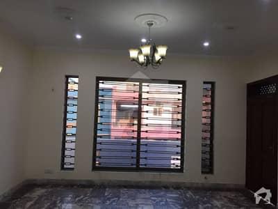 جی ۔ 6 اسلام آباد میں 7 کمروں کا 1.17 کنال مکان 5 لاکھ میں کرایہ پر دستیاب ہے۔