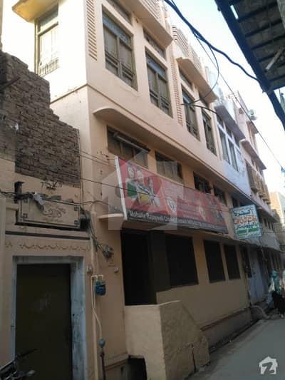 راجے والا روڈ چنیوٹ میں 6 کمروں کا 7 مرلہ مکان 75 لاکھ میں برائے فروخت۔