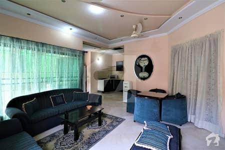 ڈی ایچ اے فیز 4 - بلاک ڈبل ای فیز 4 ڈیفنس (ڈی ایچ اے) لاہور میں 2 کمروں کا 1 کنال بالائی پورشن 75 ہزار میں کرایہ پر دستیاب ہے۔