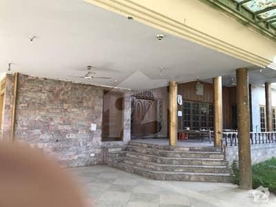 حیات آباد فیز 1 حیات آباد پشاور میں 7 کمروں کا 2 کنال مکان 5.65 کروڑ میں برائے فروخت۔