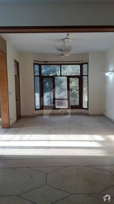F11 500sy full house 4bed near to double road