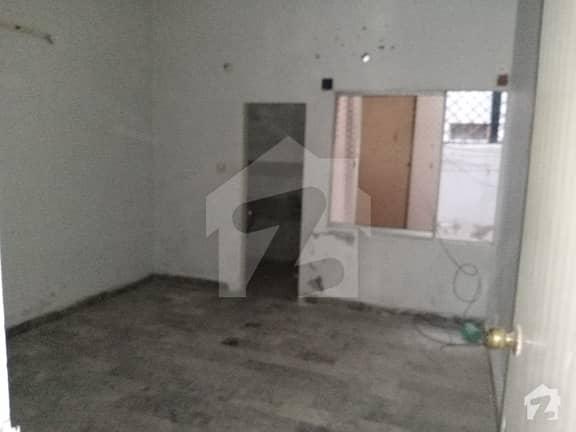 گلستان جوہر - بلاک 9-A گلستانِ جوہر کراچی میں 2 کمروں کا 5 مرلہ مکان 1 کروڑ میں برائے فروخت۔