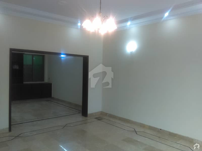 1 Kanal Well Maintained House Is Available For Rent