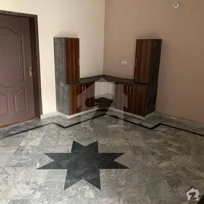 جوہر ٹاؤن فیز 2 - بلاک آر3 جوہر ٹاؤن فیز 2 جوہر ٹاؤن لاہور میں 3 کمروں کا 5 مرلہ زیریں پورشن 35 ہزار میں کرایہ پر دستیاب ہے۔