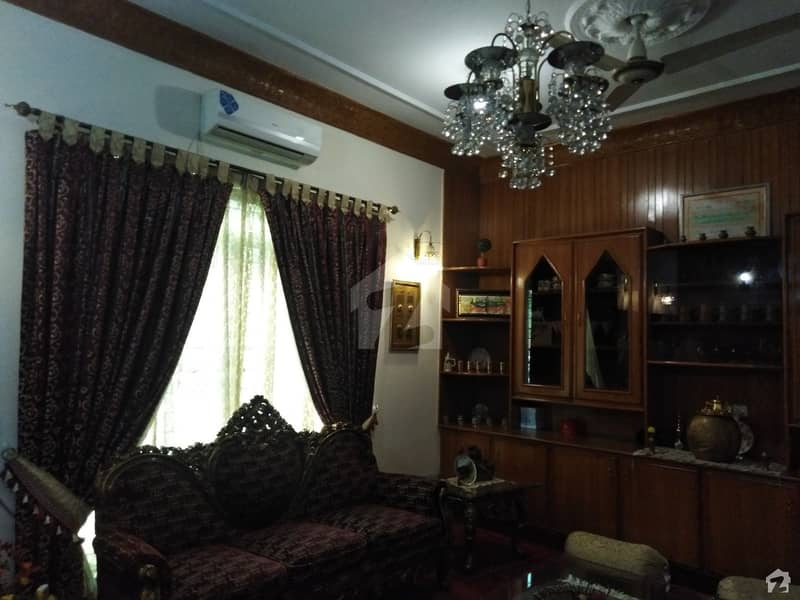 1 Kanal Upper Portion Is Available For Rent