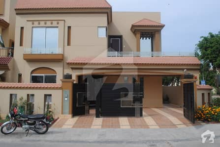 1 Kanal House is available for rent in Bahria Town Sector C gulbahar bock in Nice Location  Economical Rent