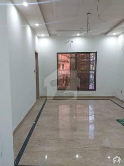 پی جی ای سی ایچ ایس فیز 2 پنجاب گورنمنٹ ایمپلائیز سوسائٹی لاہور میں 2 کمروں کا 10 مرلہ بالائی پورشن 30 ہزار میں کرایہ پر دستیاب ہے۔
