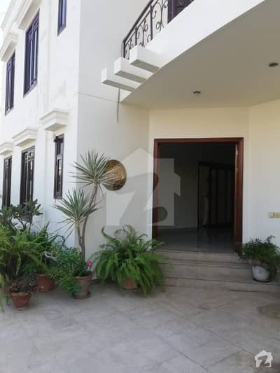 300 Sq Yards  Duplex House  Available For Sale