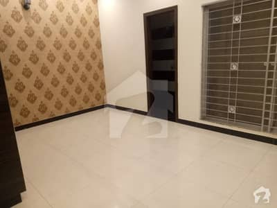 5 MARLA BRAND NEW DUBBLE STORY HOUSE FOR SALE AT VERY PRIME LOCATION NEAR TO MAIN BOULEVARD AND EMPORIUM MALL