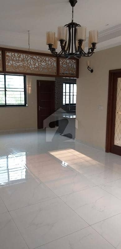 1 Kanal Beautiful House For Sale Hot Location