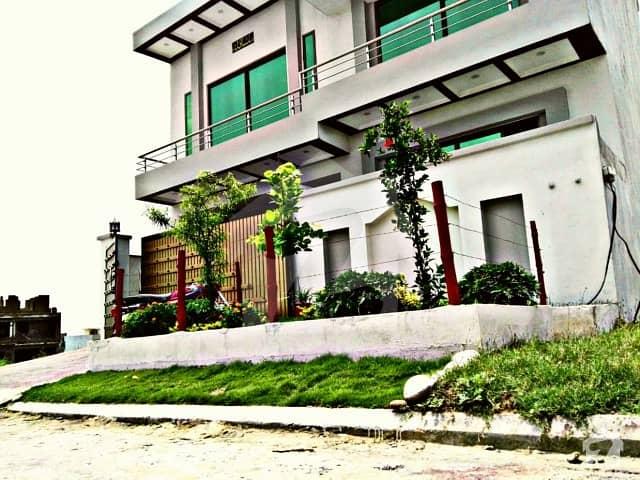 جناح گارڈنز ایف ای سی ایچ ایس اسلام آباد میں 4 کمروں کا 7 مرلہ مکان 1.7 کروڑ میں برائے فروخت۔