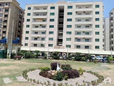 12 Marla 4 Beds Flat On 4th Floor  For Sale In Askari 11 Lahore At Cheaper Rate