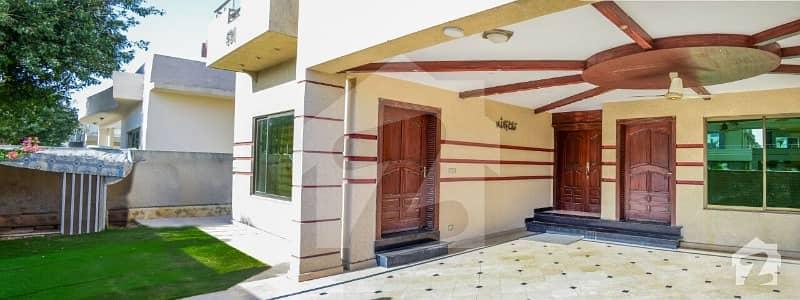 بحریہ ٹاؤن فیز 3 بحریہ ٹاؤن راولپنڈی راولپنڈی میں 7 کمروں کا 2 کنال مکان 6 کروڑ میں برائے فروخت۔