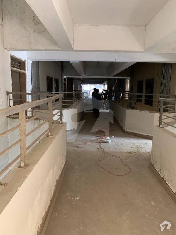 صائمہ رائل ریزیڈینسی راشد منہاس روڈ کراچی میں 2 کمروں کا 6 مرلہ فلیٹ 1.05 کروڑ میں برائے فروخت۔