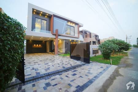 Syed Brothers Offers 20 Marla Brand New Most Elegant Galleria Design Bungalow For Sale