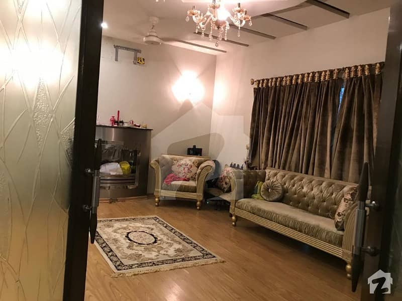 Ultra Modern Location 1 Kanal Bungalow For Rent At Phase 5