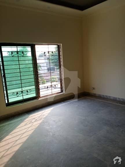 گلبرگ 3 - بلاک اے1 گلبرگ 3 گلبرگ لاہور میں 3 کمروں کا 10 مرلہ بالائی پورشن 35 ہزار میں کرایہ پر دستیاب ہے۔