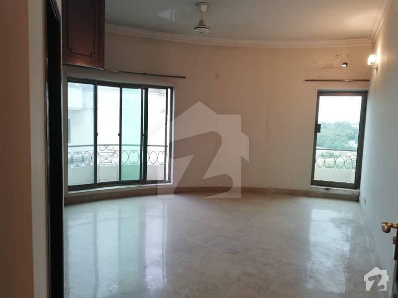 F-11 Al Safa Heights 2900 Sq Ft 3 Bed Apartment For Sale Park facing