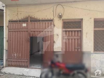 وزیر کالونی پشاور میں 6 کمروں کا 4 مرلہ مکان 65 لاکھ میں برائے فروخت۔