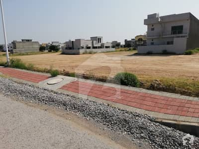 1 Kanal Blvd Plot Near TMUC Future World School For Sale