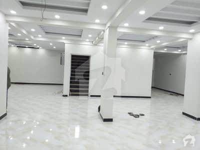 کلفٹن ۔ بلاک 8 کلفٹن کراچی میں 1 کمرے کا 2 مرلہ دکان 4.5 کروڑ میں برائے فروخت۔