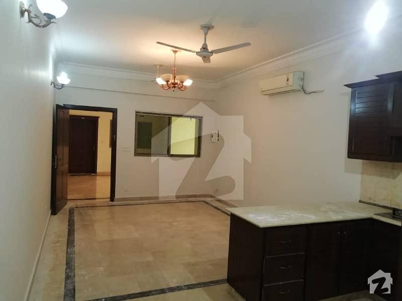 F-11 Markaz Studio Apartment 1250 Sq Feet Luxury Apartment For Sale