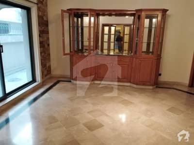 سرور کالونی کینٹ لاہور میں 5 کمروں کا 1.6 کنال مکان 2.25 لاکھ میں کرایہ پر دستیاب ہے۔