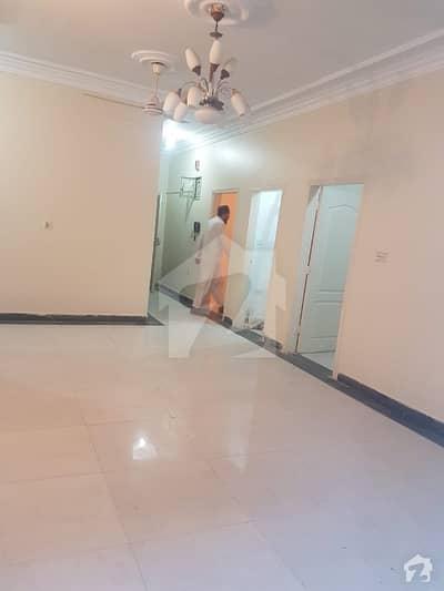 کلفٹن ۔ بلاک 5 کلفٹن کراچی میں 3 کمروں کا 11 مرلہ فلیٹ 3.25 کروڑ میں برائے فروخت۔