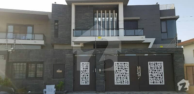 Bungalow For Sale 1000 Sq Yards At DHA Phase 8