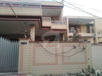 سیٹیلائیٹ ٹاؤن سرگودھا میں 5 کمروں کا 9 مرلہ مکان 2.15 کروڑ میں برائے فروخت۔