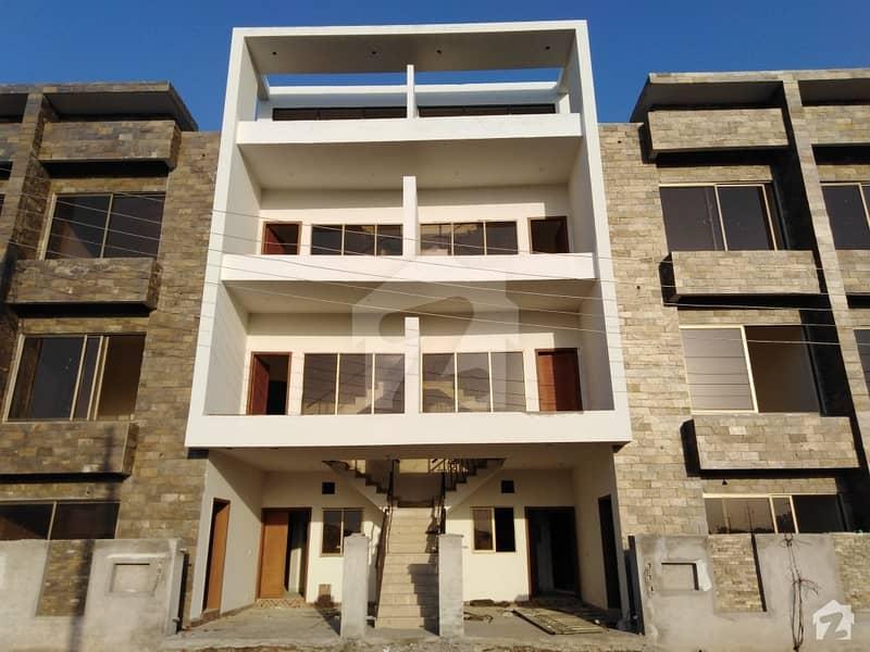 Here Is A Good Opportunity To Live In A Well-Built Apartment