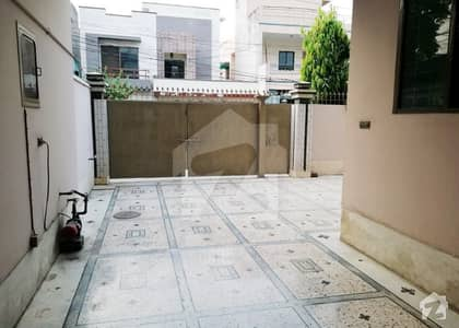 13 Marla Use House Good Looking For Sale Back Of Main Road Near Mian Plaza