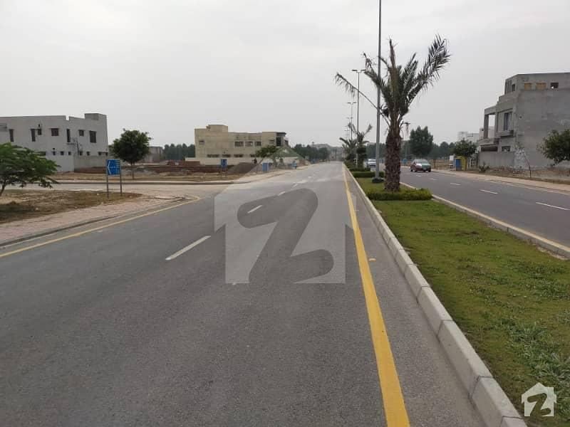 بحریہ ٹاؤن - طلحہ بلاک بحریہ ٹاؤن سیکٹر ای بحریہ ٹاؤن لاہور میں 10 مرلہ رہائشی پلاٹ 78 لاکھ میں برائے فروخت۔