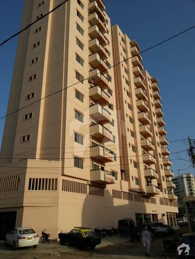 کلفٹن ۔ بلاک 2 کلفٹن کراچی میں 3 کمروں کا 11 مرلہ فلیٹ 3.55 کروڑ میں برائے فروخت۔