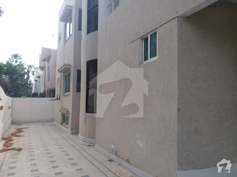 House 4 Bedrooms Drawing Dinning For Rent Block 5 Clifton