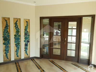 1 Kanal Luxury 3 Bed Room Upper Portion Available For Rent On Hot Location