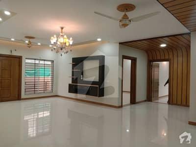 ایف ۔ 10 اسلام آباد میں 9 کمروں کا 1.33 کنال مکان 14 کروڑ میں برائے فروخت۔
