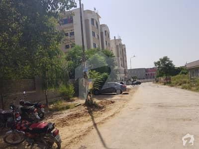 جی ۔ 15/4 جی ۔ 15 اسلام آباد میں 4 کمروں کا 11 مرلہ فلیٹ 1.05 کروڑ میں برائے فروخت۔