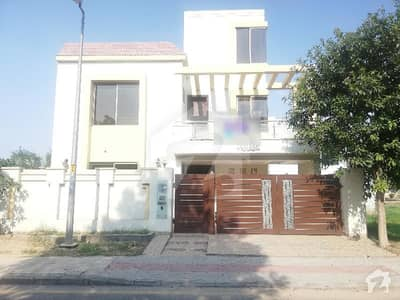 10 Marla House For Rent  In Nargis Block Sector C Bahria Town Lahore