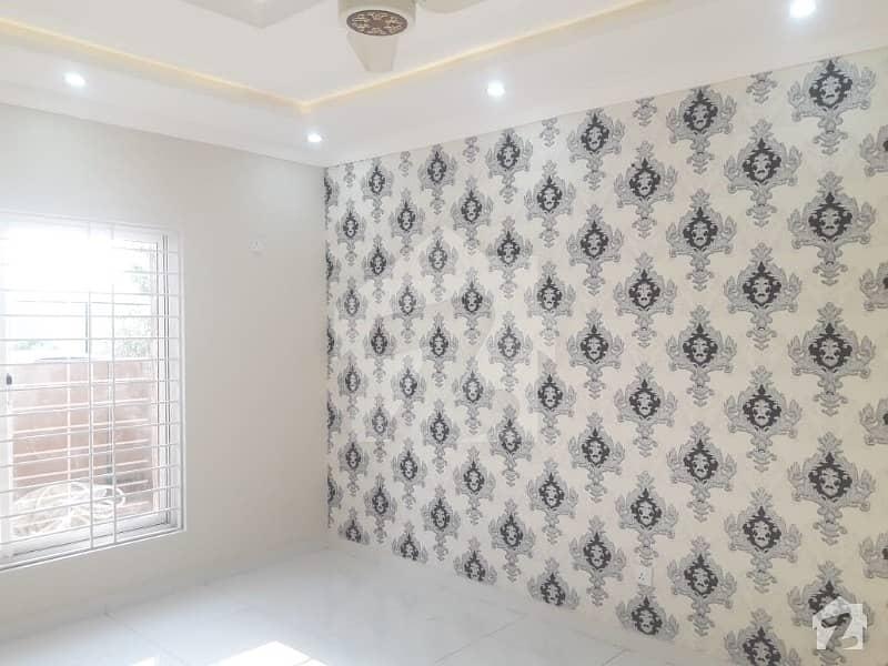 بحریہ ٹاؤن فیز 3 بحریہ ٹاؤن راولپنڈی راولپنڈی میں 5 کمروں کا 10 مرلہ مکان 2.4 کروڑ میں برائے فروخت۔