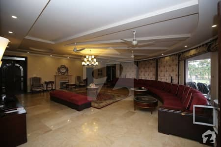 07 Kanal Fully Furnished Corner Villa Is Available For Sale In Safari1
