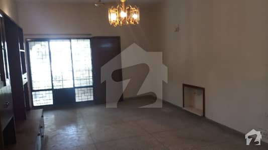 SEPARATE GATE 1 KANAL HOUSE DHA PHASE 4 BLOCK DD FOR RENT