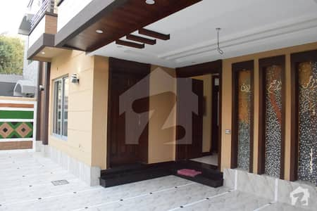10 Marla Hot Location House For Sale - Solid Construction Reasonable Price
