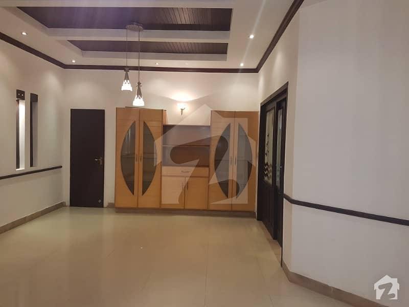 ڈی ایچ اے فیز 5 ڈیفنس (ڈی ایچ اے) لاہور میں 4 کمروں کا 10 مرلہ مکان 92 ہزار میں کرایہ پر دستیاب ہے۔
