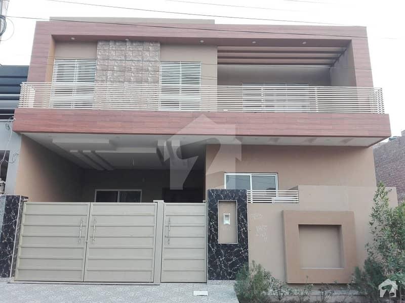 ایڈن ایگزیکیٹو ایڈن گارڈنز فیصل آباد میں 4 کمروں کا 10 مرلہ مکان 1.6 کروڑ میں برائے فروخت۔