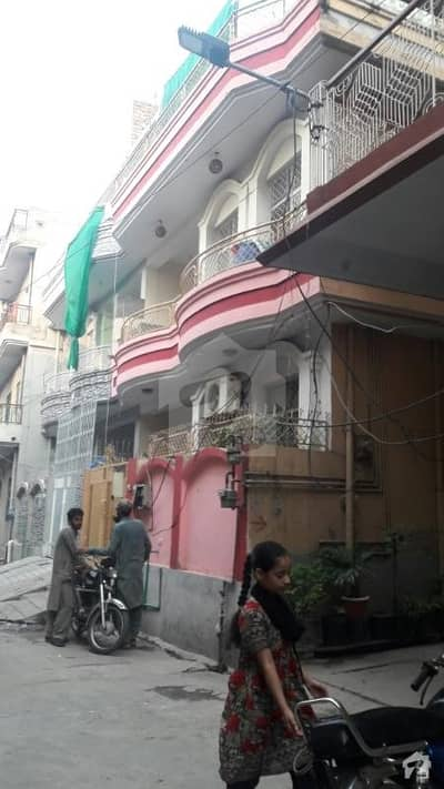 3 Bed Tv Lounge  Drawing Room Upper Portion Near Chaklala Scheme 3