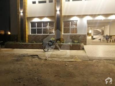 کلفٹن ۔ بلاک 2 کلفٹن کراچی میں 3 کمروں کا 7 مرلہ فلیٹ 2.2 کروڑ میں برائے فروخت۔